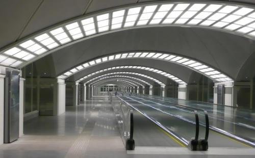 Pasillo de estación de Atocha - AVE (Madrid, Spain)